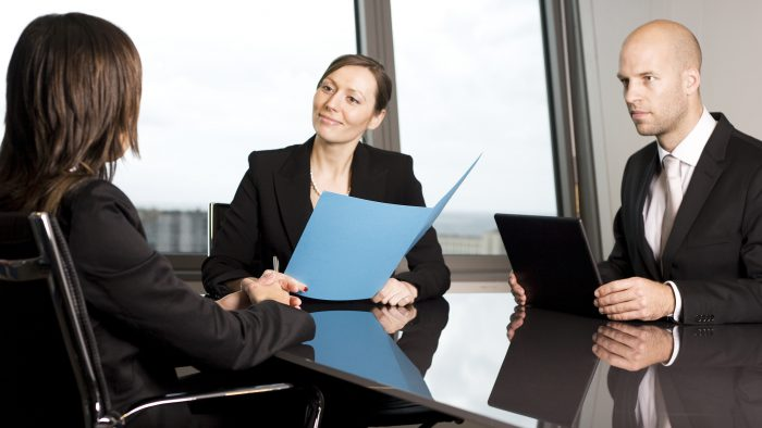 Asemanari intre a fi angajat si a fi propriul tau angajat