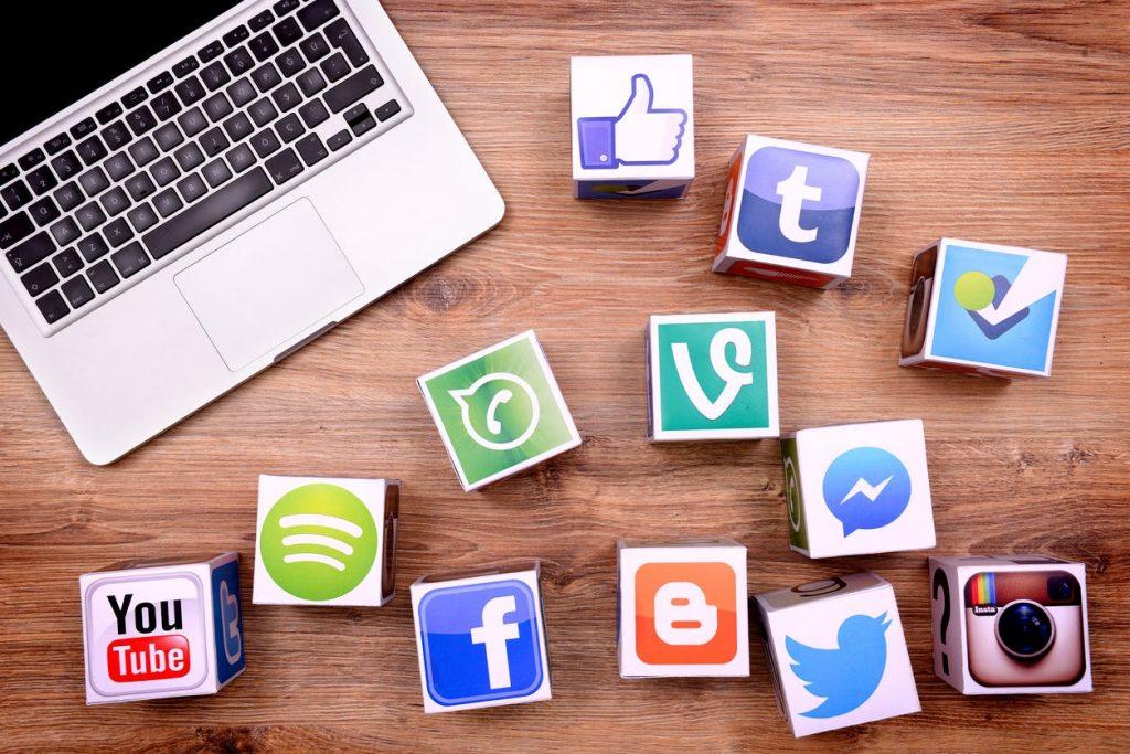 Cum ne facem rost de un loc de munca folosind social - media - II